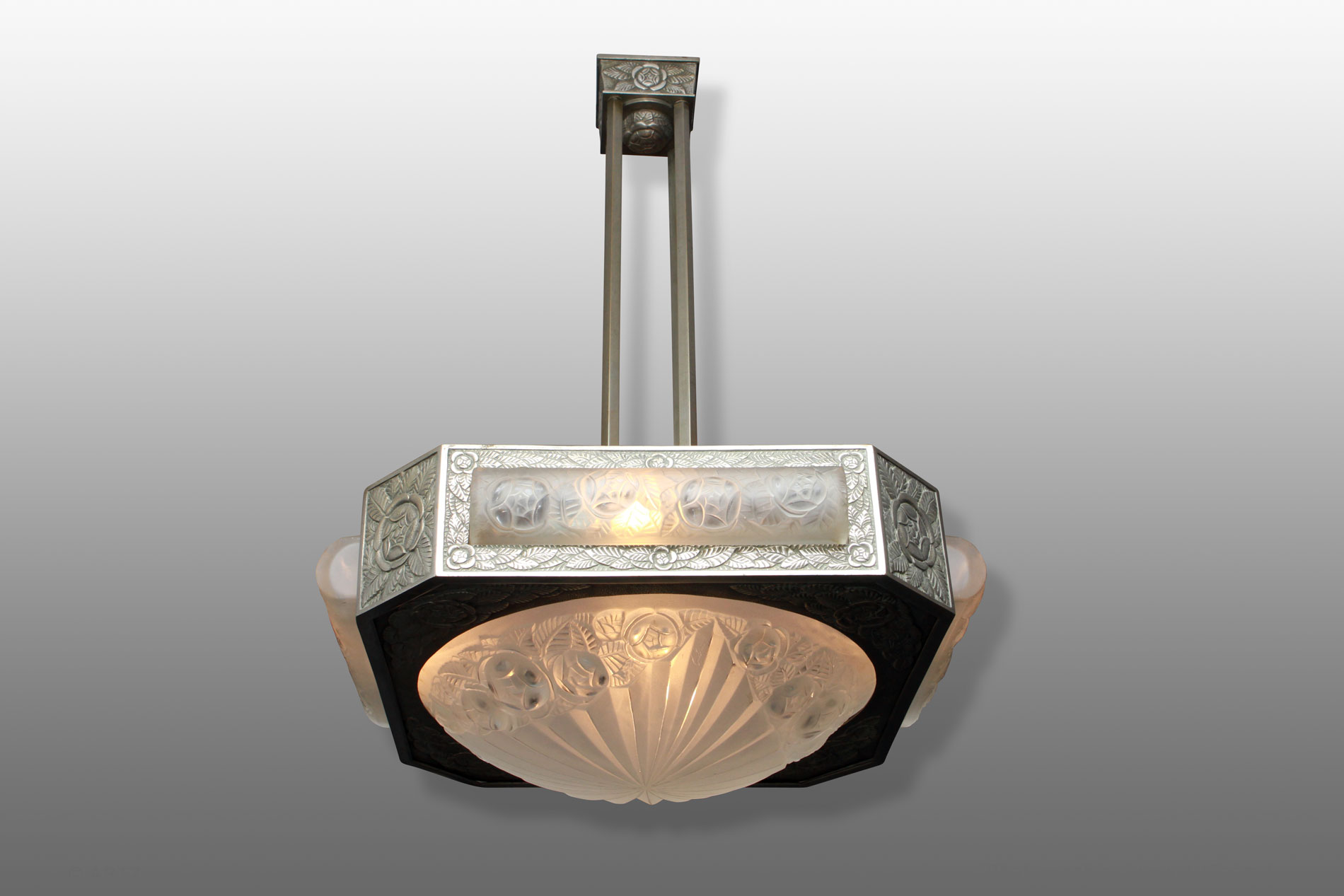 artz sp cialiste art d co lustres vases coupes meubles bronzes et accessoires de la p riode. Black Bedroom Furniture Sets. Home Design Ideas